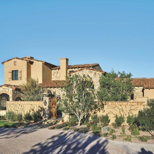 American and European Aesthetics Combine in this Phoenix Home
