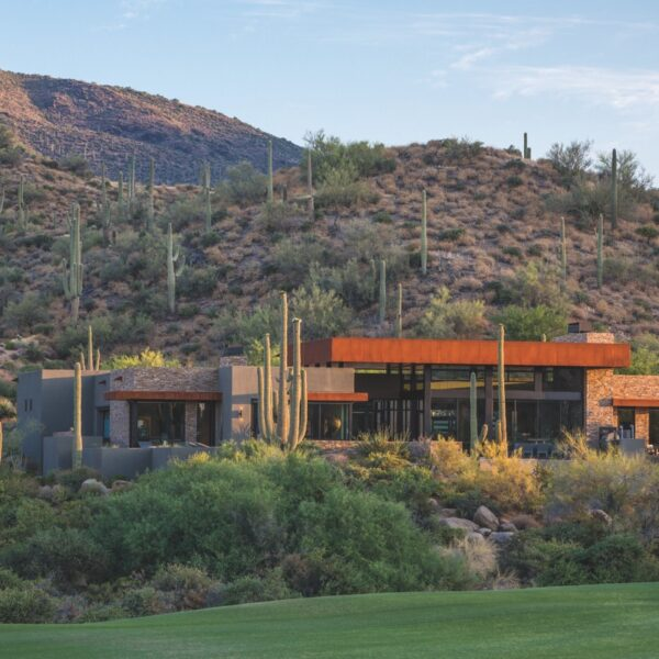 Modern, Rustic Elements Fill A Scottsdale Retreat