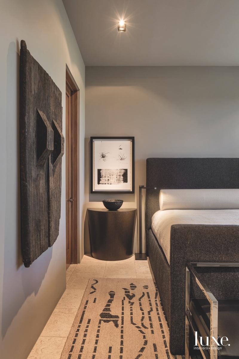 modern bedroom black and white...