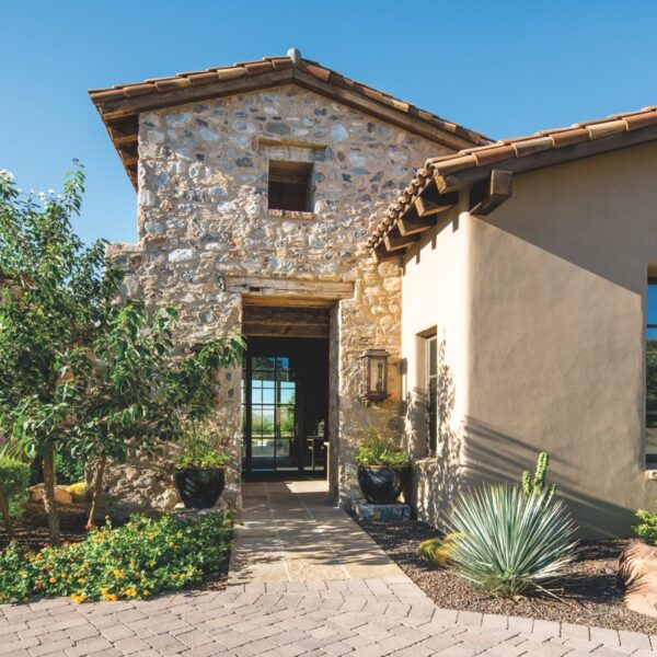 A Design Team Configures A Rustic Arizona Retreat