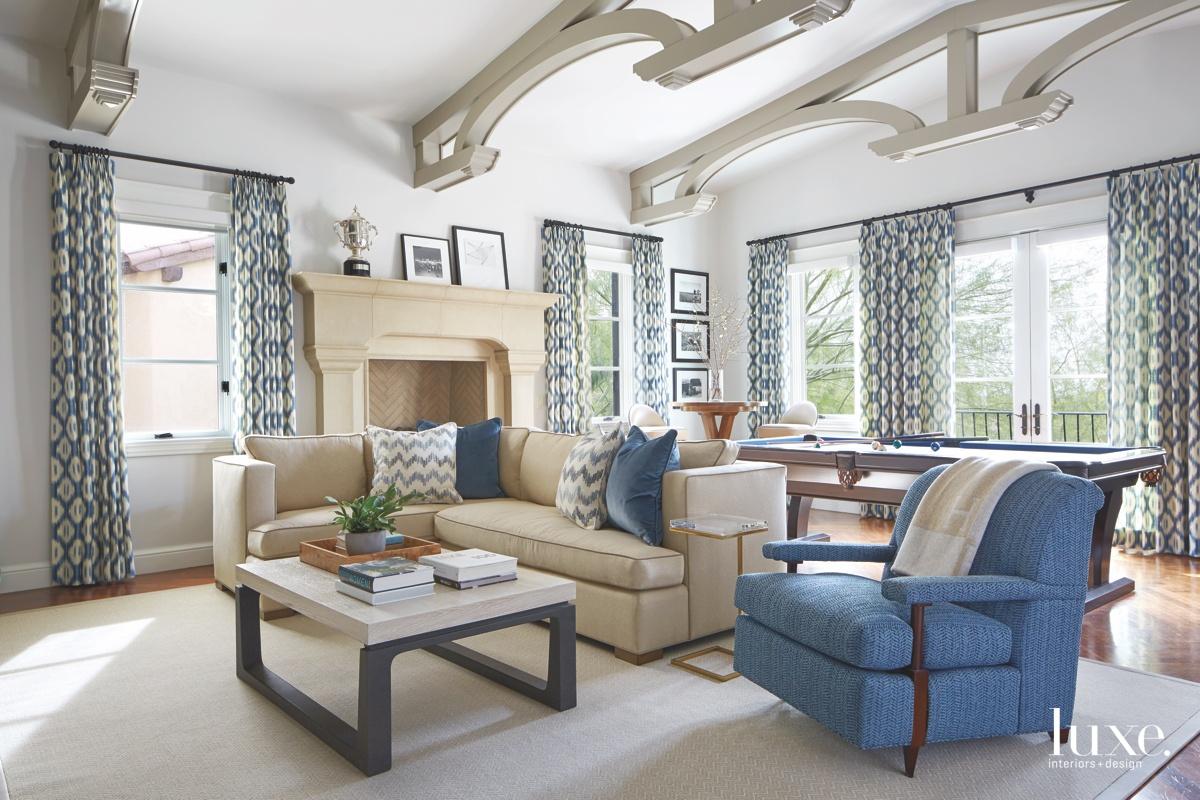 mediterranean living room blue accents