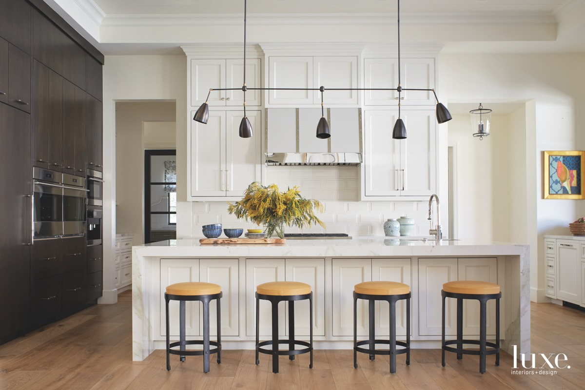 A Modern Arizona Home Exudes A French Aura {A Modern Arizona Home Exudes A French Aura} – English