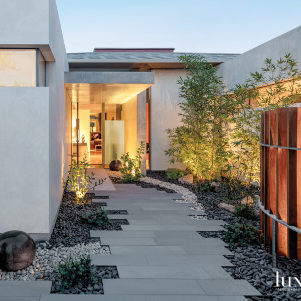 A Glass-And-Concrete Home Puts Art In The Spotlight
