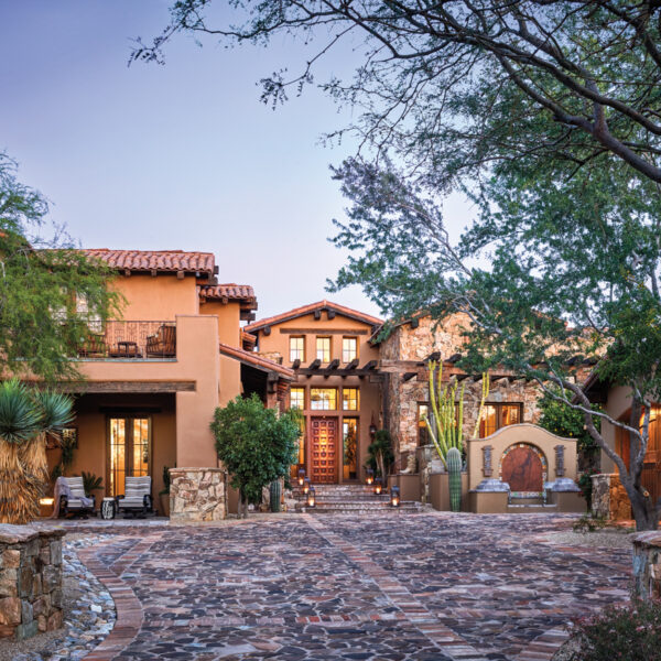 An Arizona Abode's Update Is In Sync With Its Setting