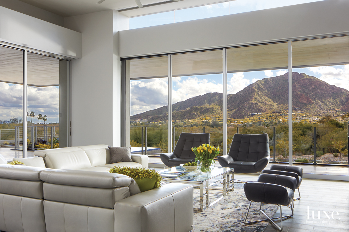 Modern Paradise Valley home