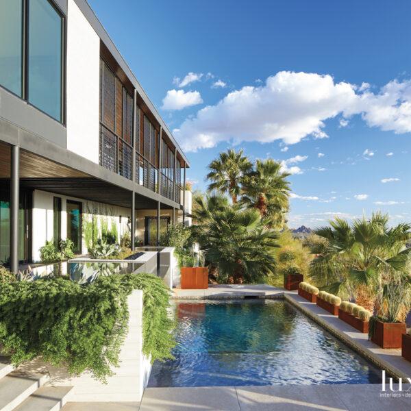 A Clean Look Elevates An Arizona Mountainside Home