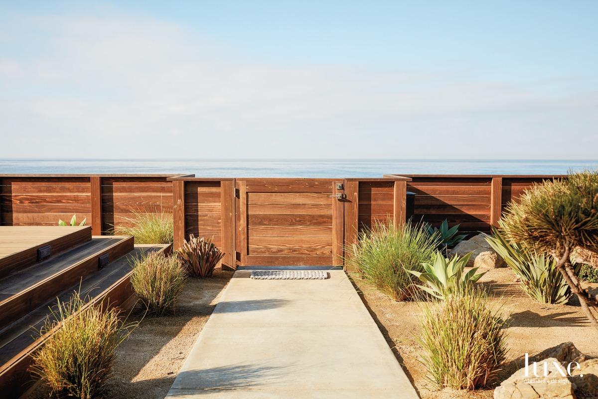 landscape redwood fence
