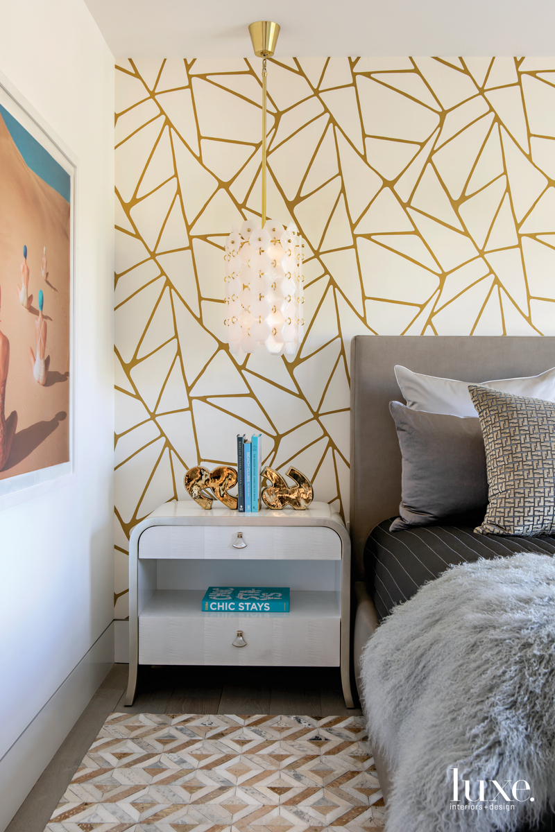 modern bedroom gold bold backdrop...