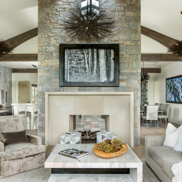 An Aspen Retreat Harmonizes With Its Dramatic Setting