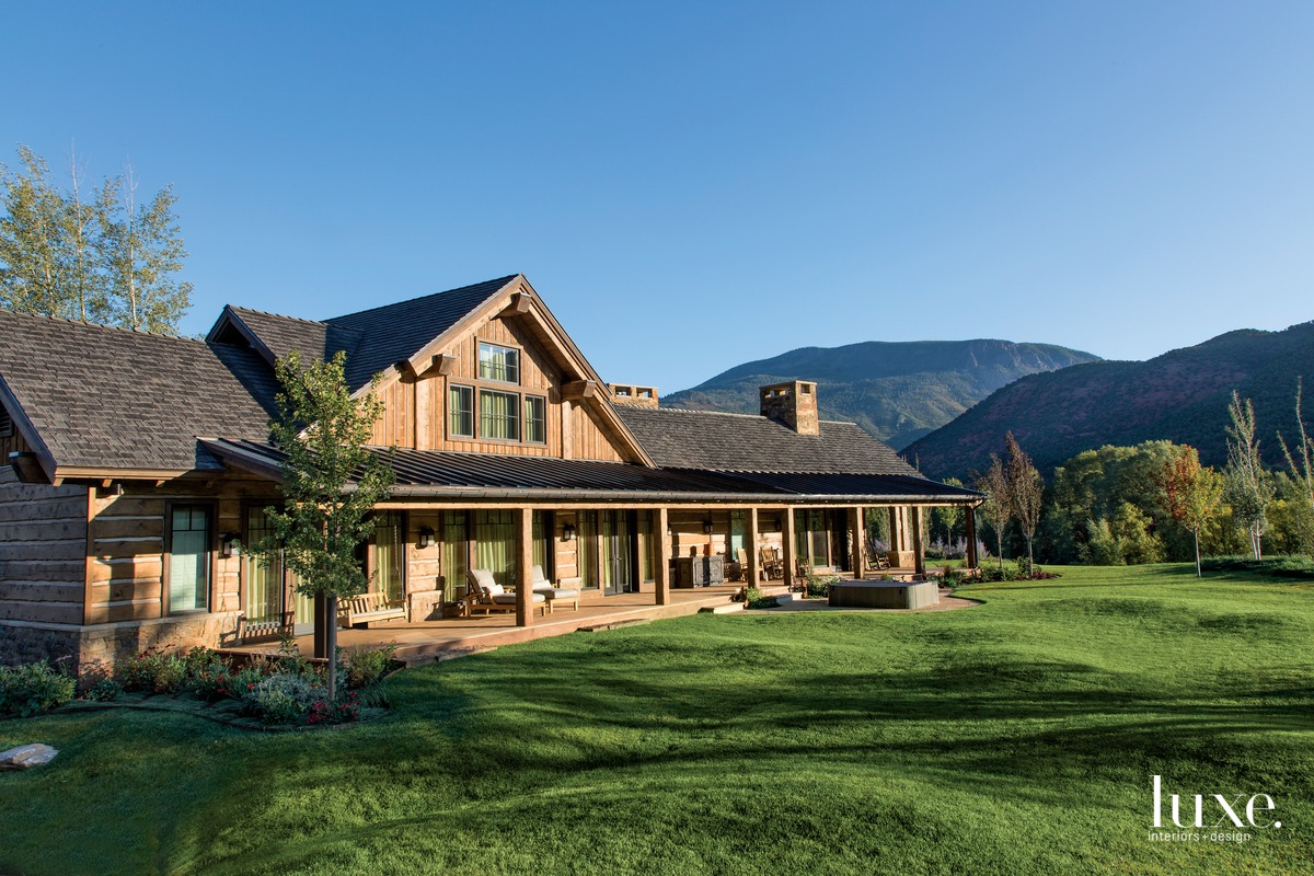 A Cabin-Style Home Achieves Modern Sensibility {A Cabin-Style Home Achieves Modern Sensibility} – English