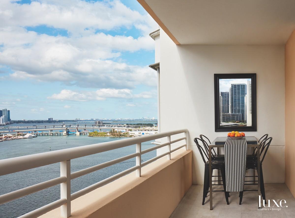 contemporary terrace sitting area