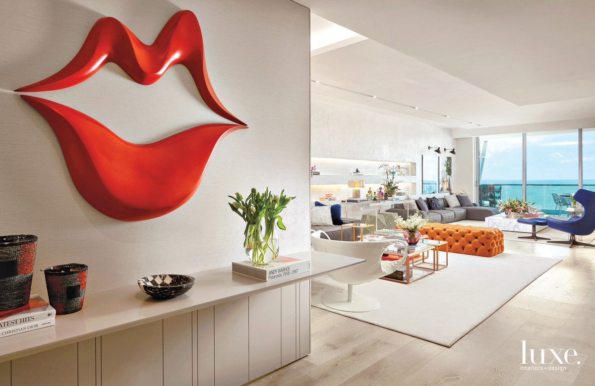A Miami Condo Emanates Playful Elegance {A Miami Condo Emanates Playful Elegance} – English