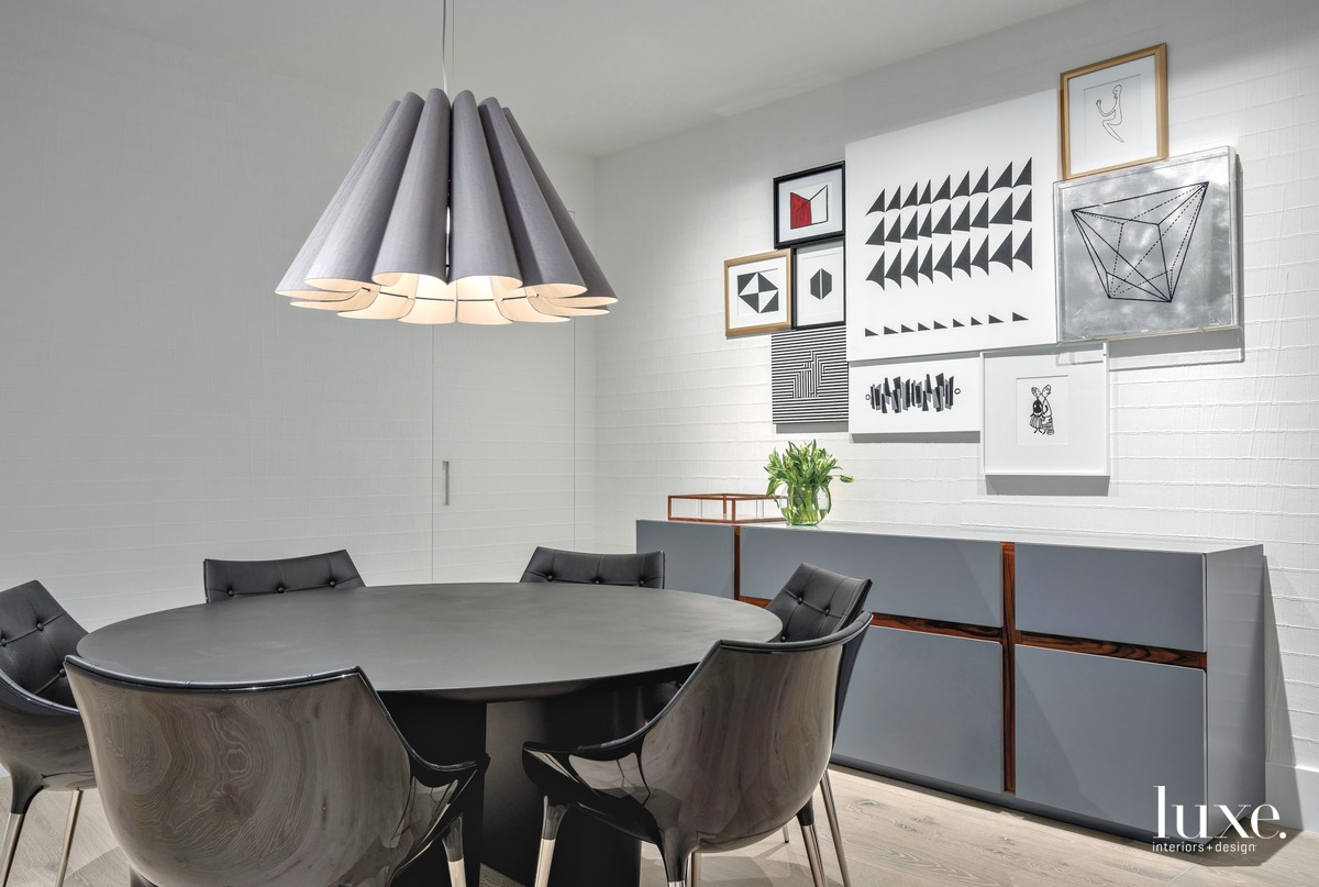 modern dining area black table...