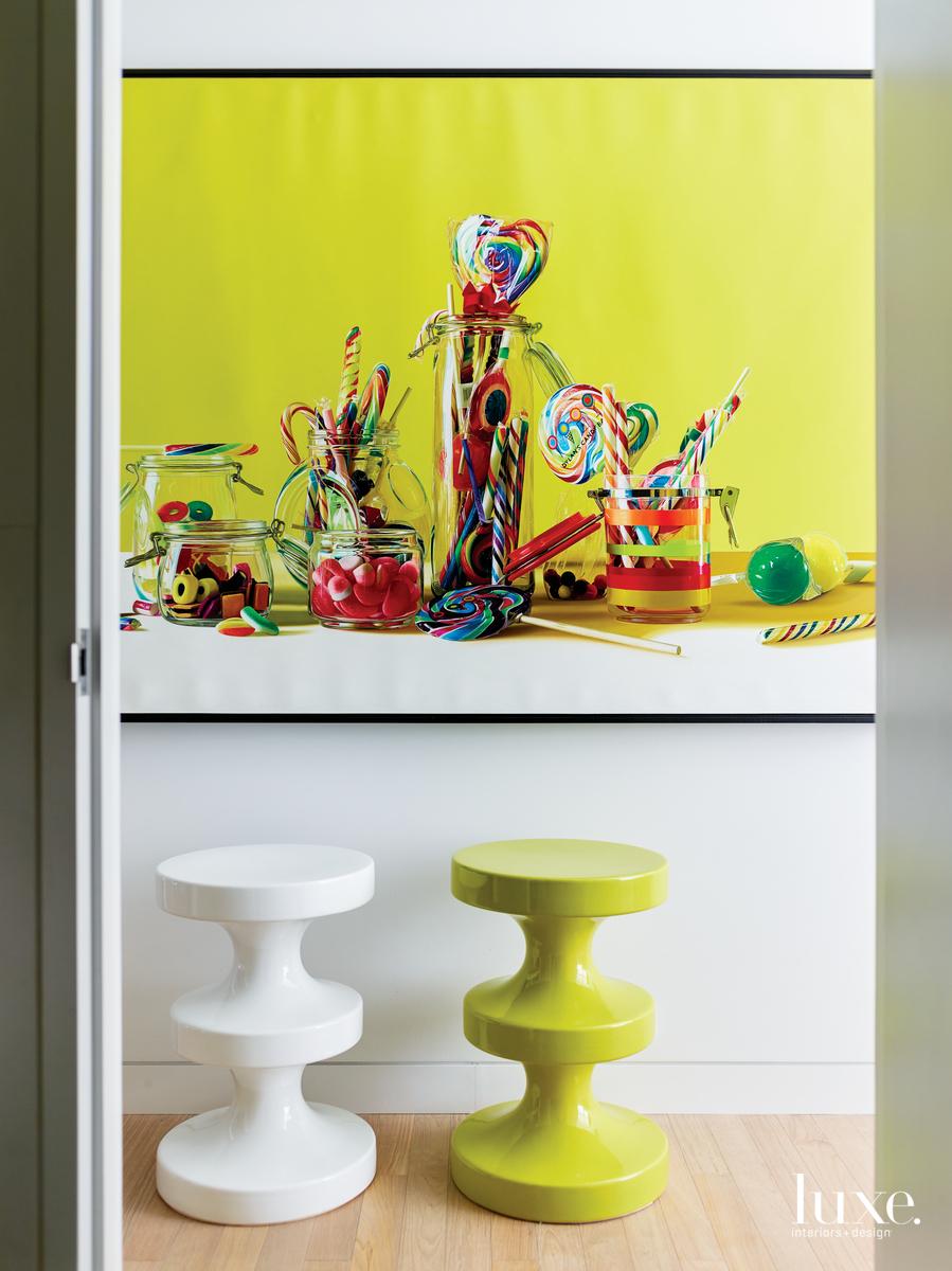 modern ceramic side tables in...