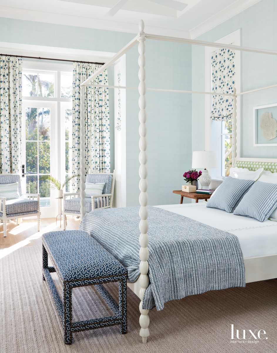 coastal bedroom white and blue