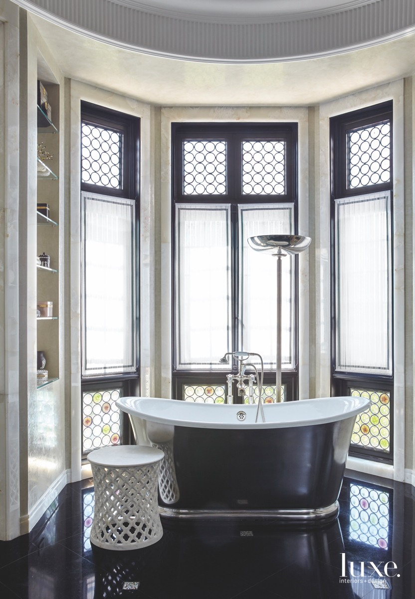 traditional bathroom black marble floor