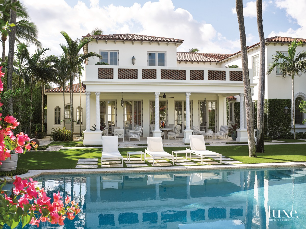 Mediterranean Meets Atlantic In A Palm Beach Home | Luxe Interiors + Design