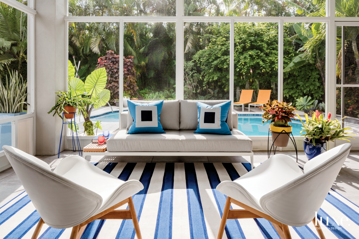 modern living area blue striped...