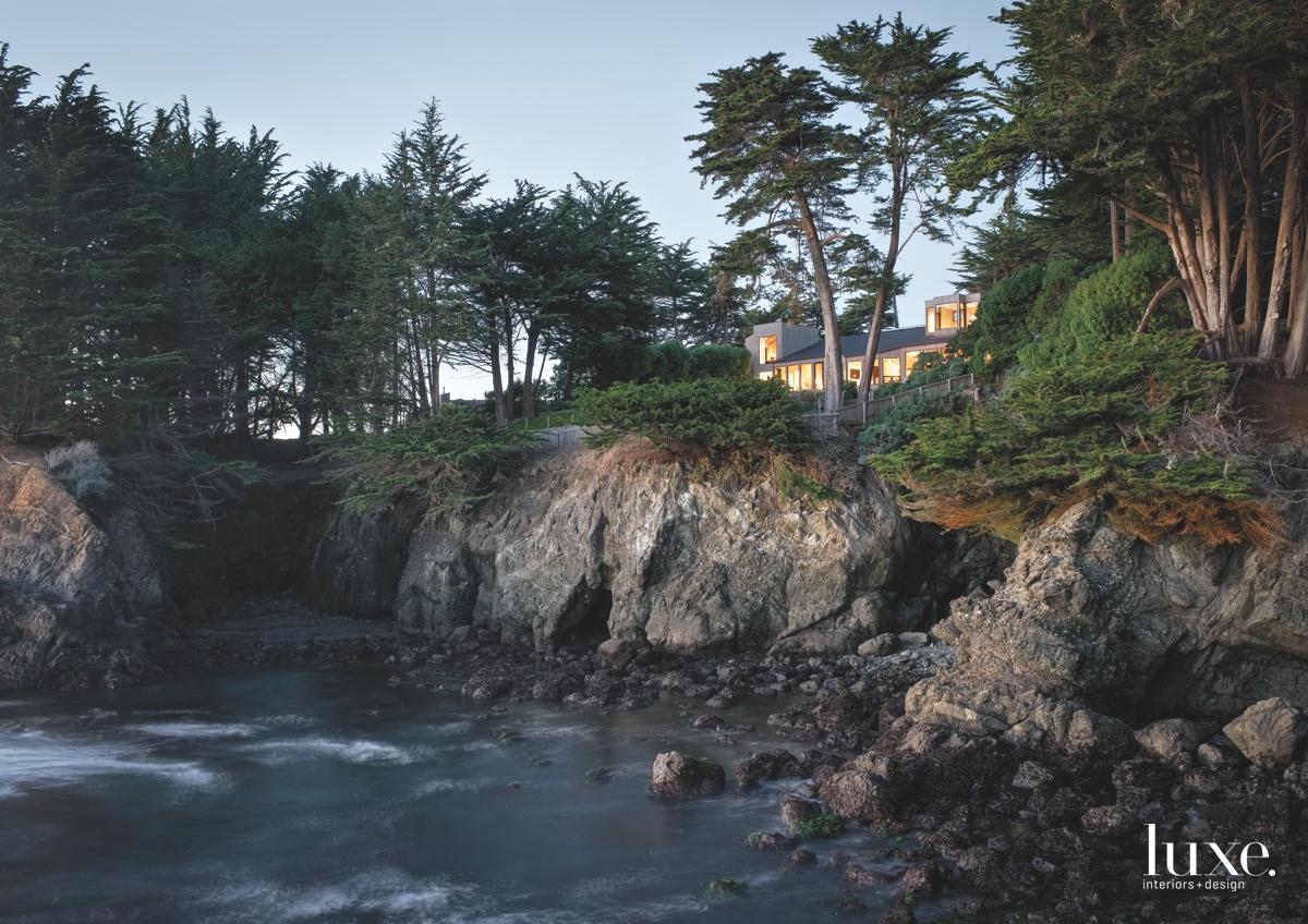 exterior landscape rocks
