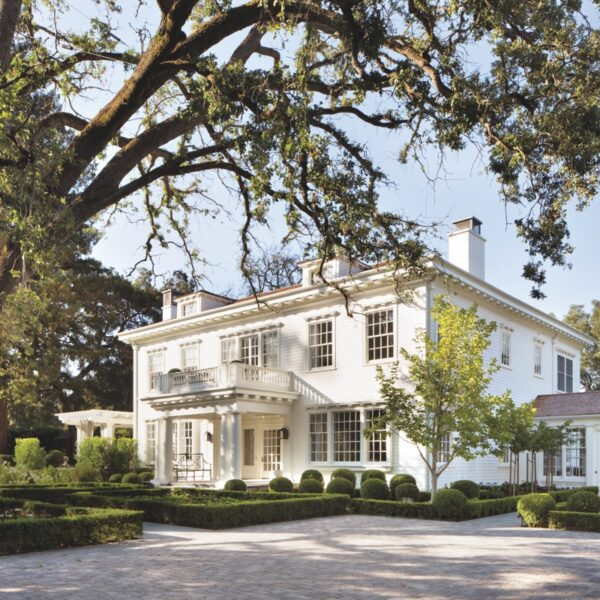 A Turn-Of-The-Century Home Flourishes Once Again