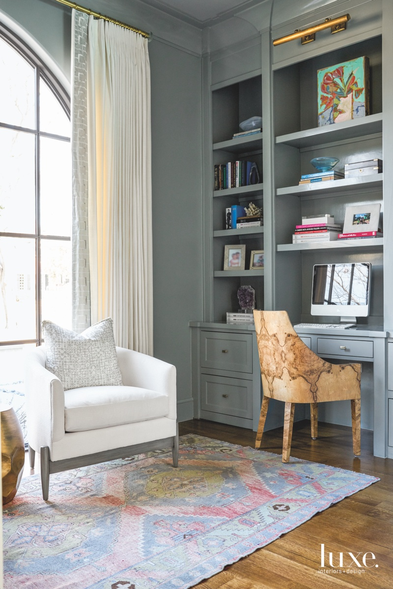 transitional study gray antique rug...
