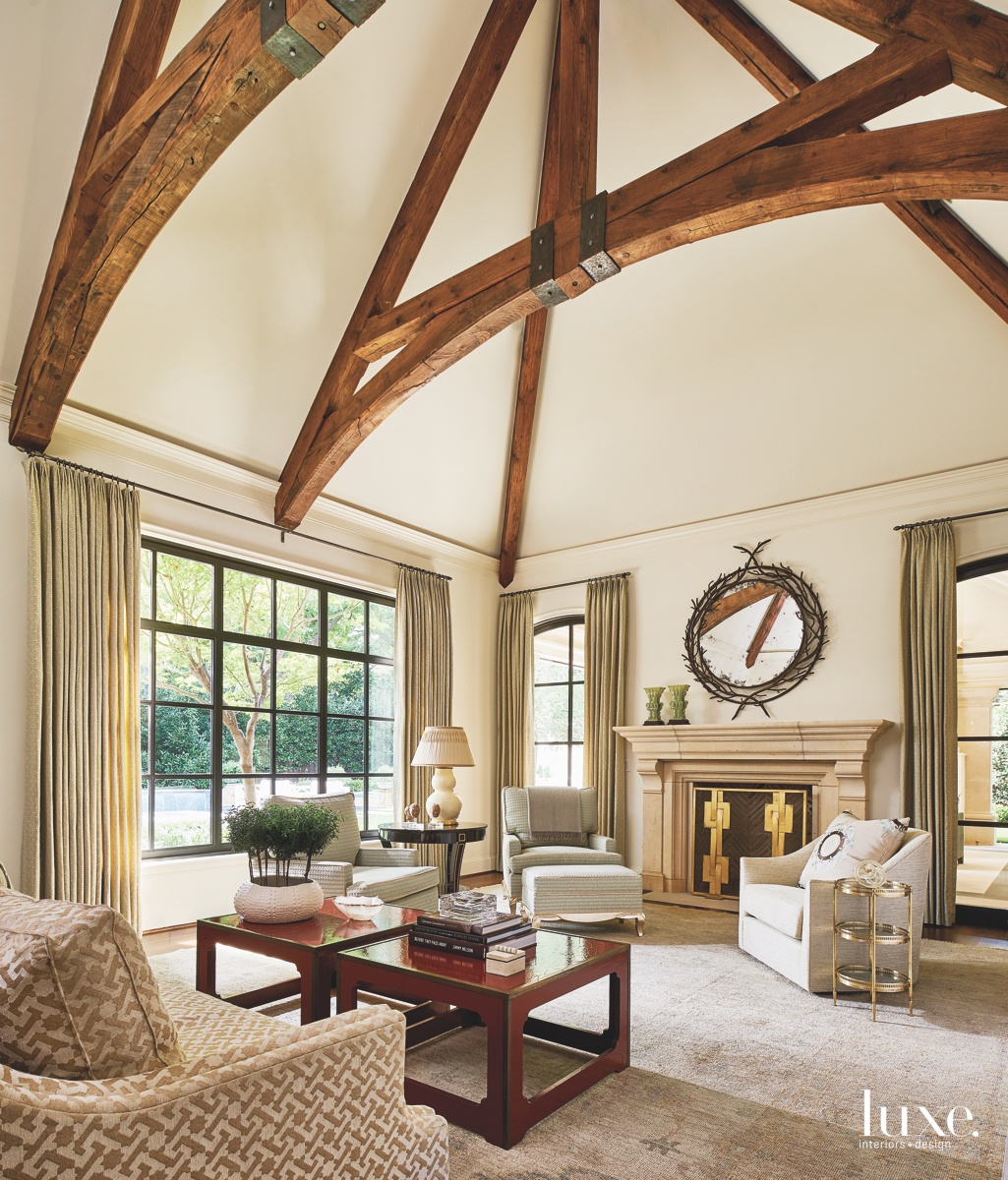 traditional neutral living room round...