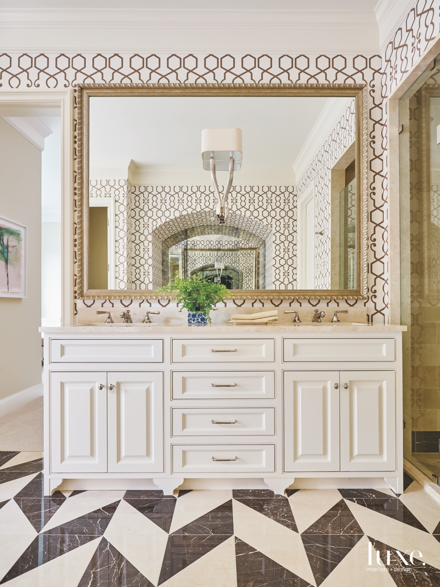 traditional bathroom patterned floor white...