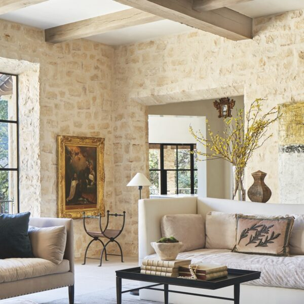 A Cozy Austin Home Exudes Old-World Elegance