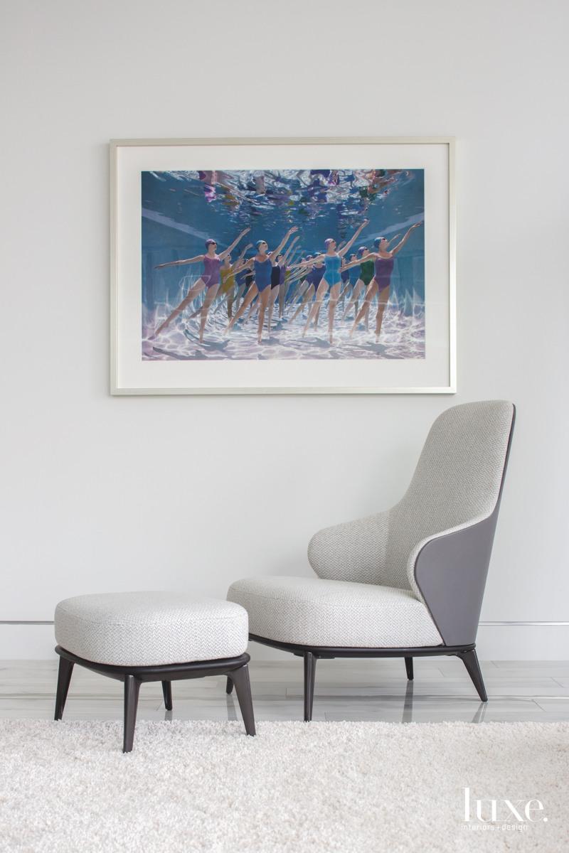 modern sitting area grey chair...