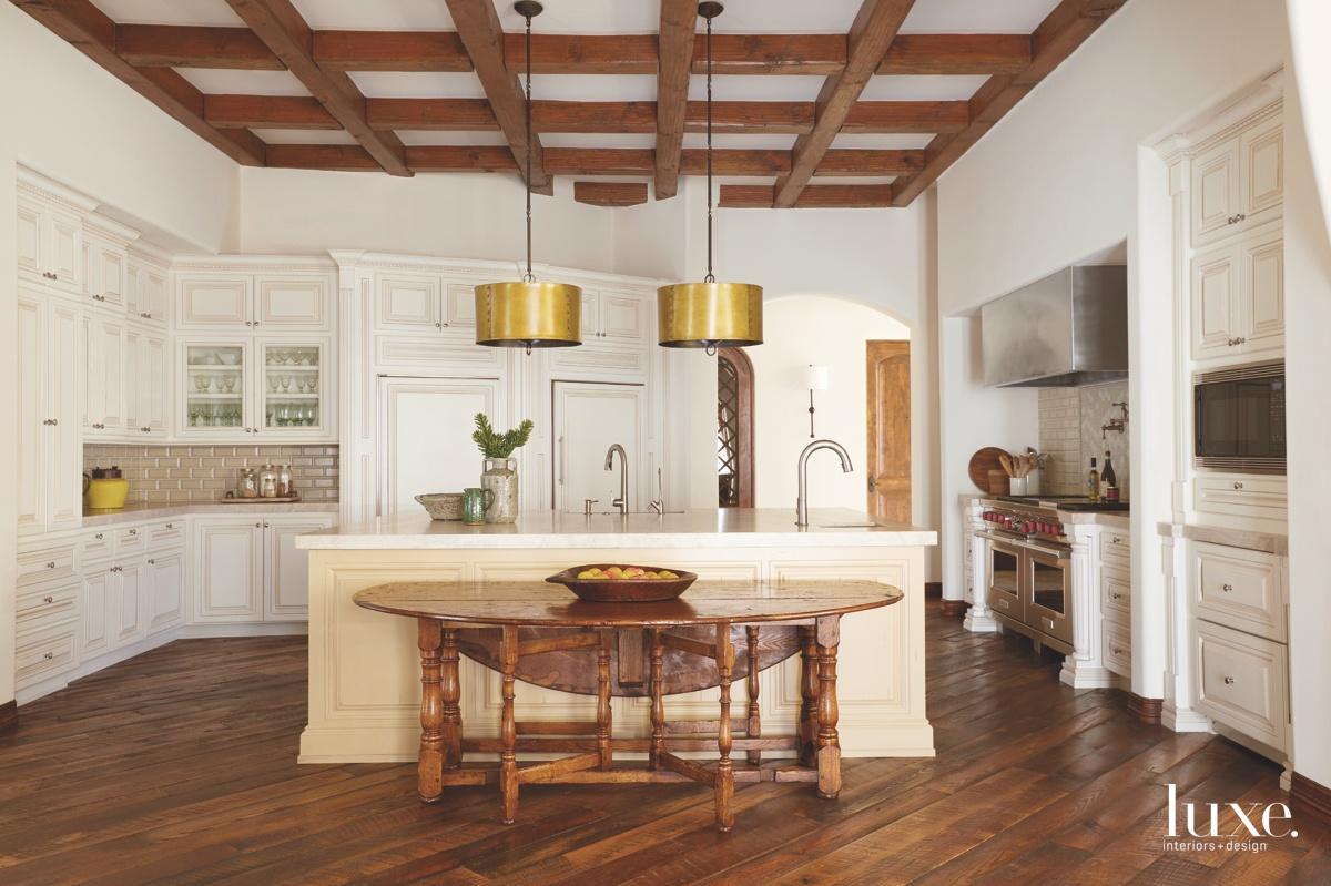traditional neutral kitchen quartzite island