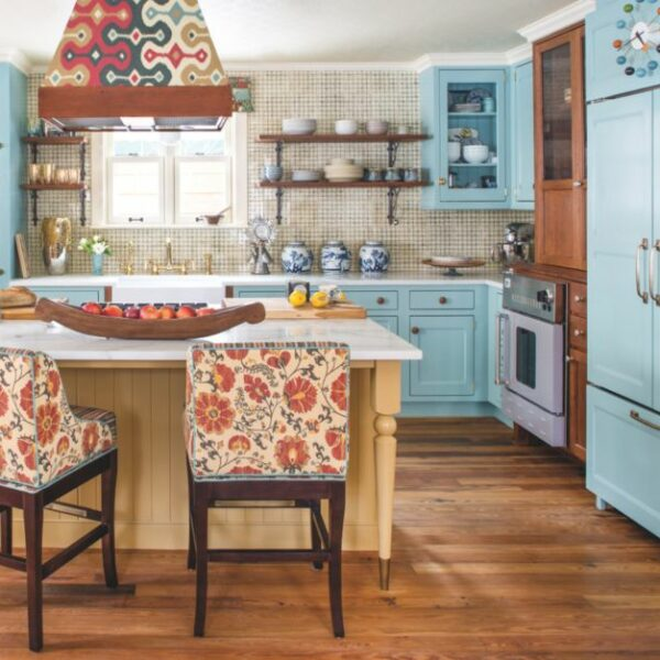 21 Rooms With Colorful Cabinets That Pop