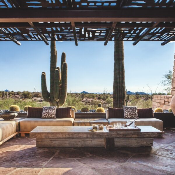 Scottsdale Home Blends Into Its Natural Surroundings