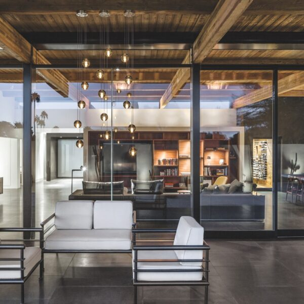 Sleek Accessibility Defines A Modern Scottsdale Abode