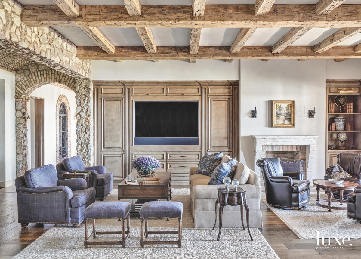 mediterranean living room purple accents