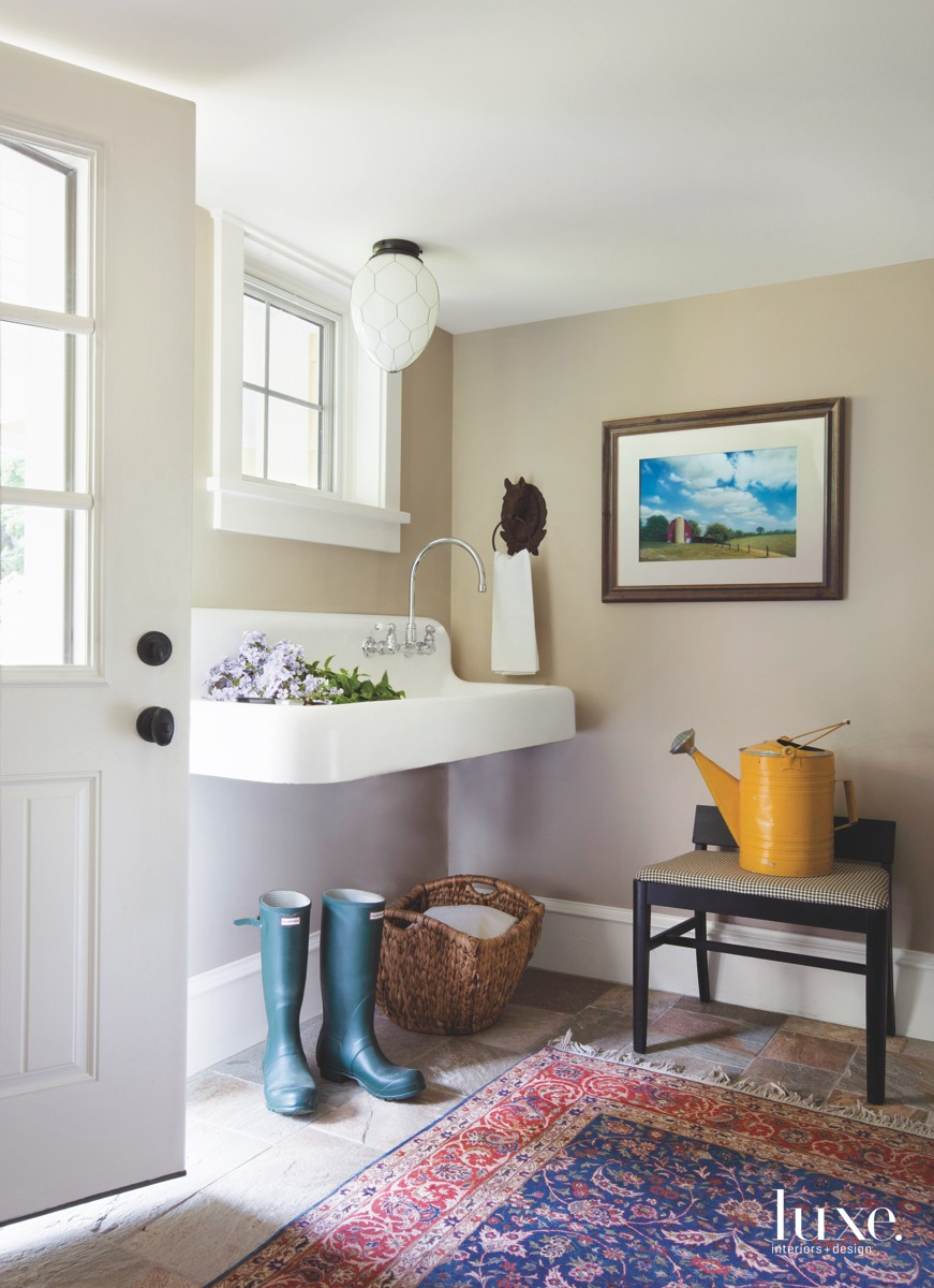 farmhouse sink entry mudroom egg-shaped...