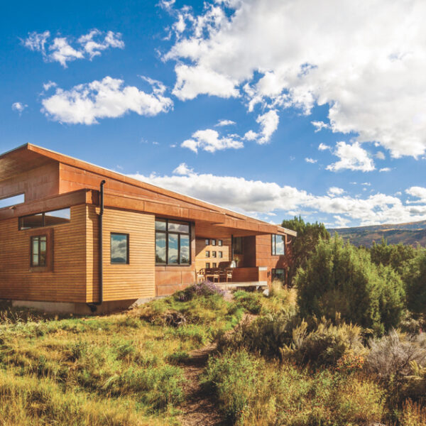 "A Colorado Abode Redefines ""Home On The Range"""
