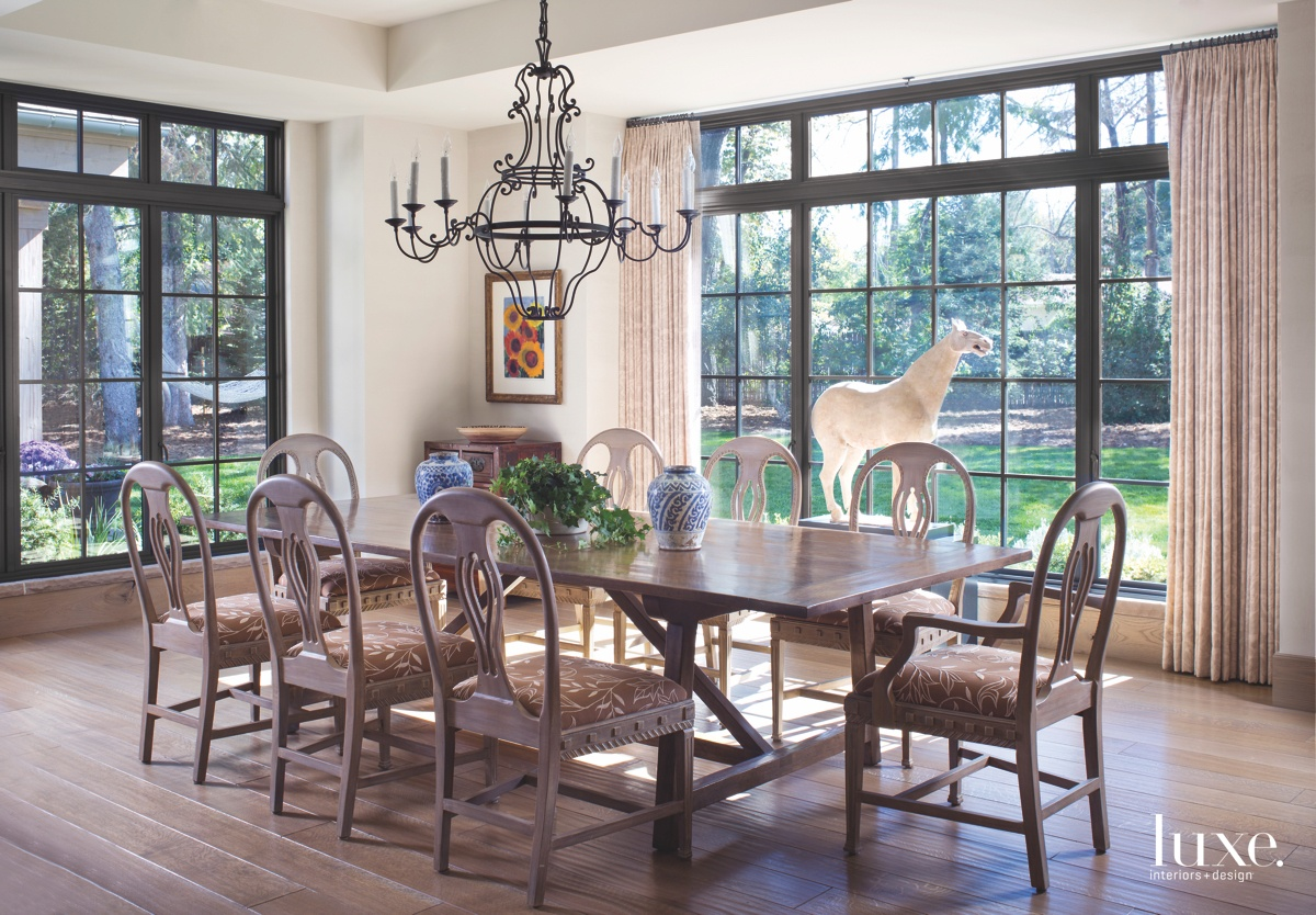 farmhouse dining room brown chandelier