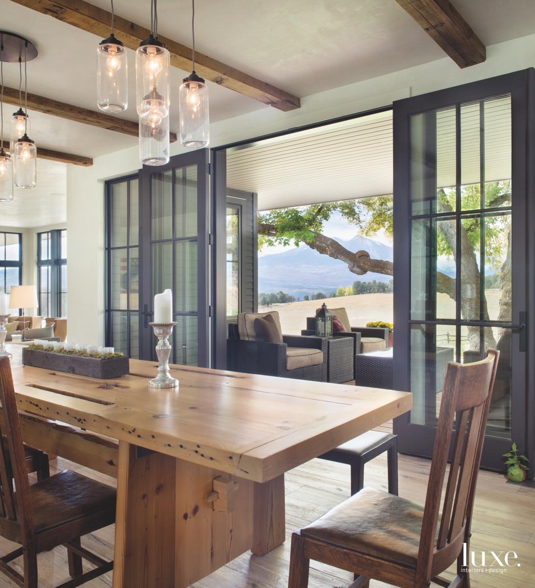 farmhouse dining room hanging jar...