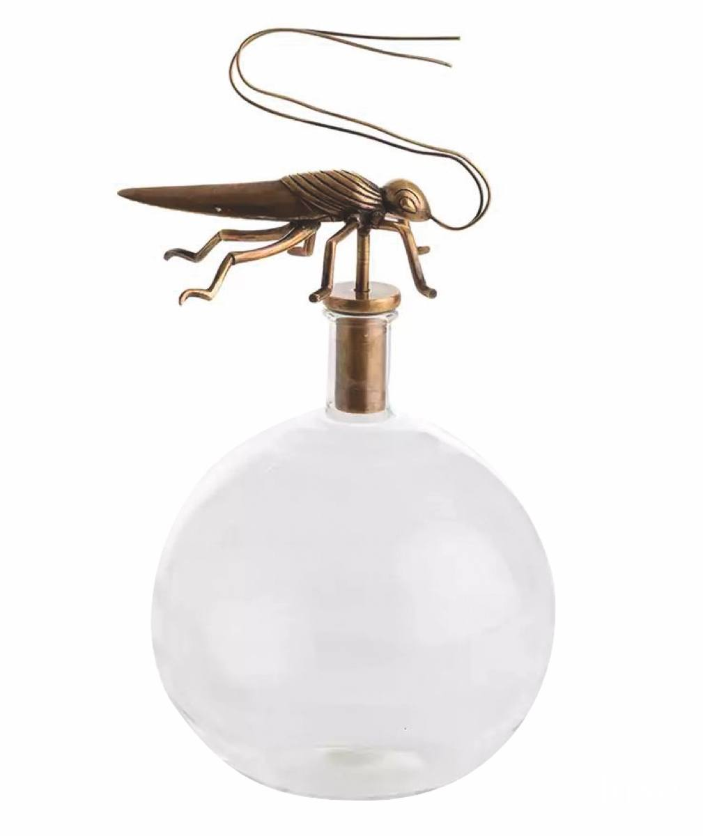 LX_COM18_InspirationFound_SkipperGrasshopperDecanter