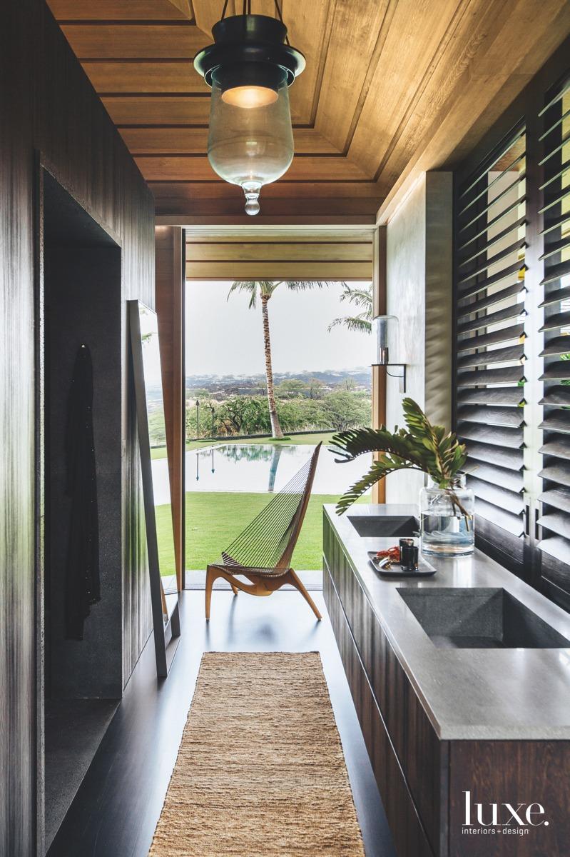4 Airy Bathrooms With Indoor-Outdoor Appeal