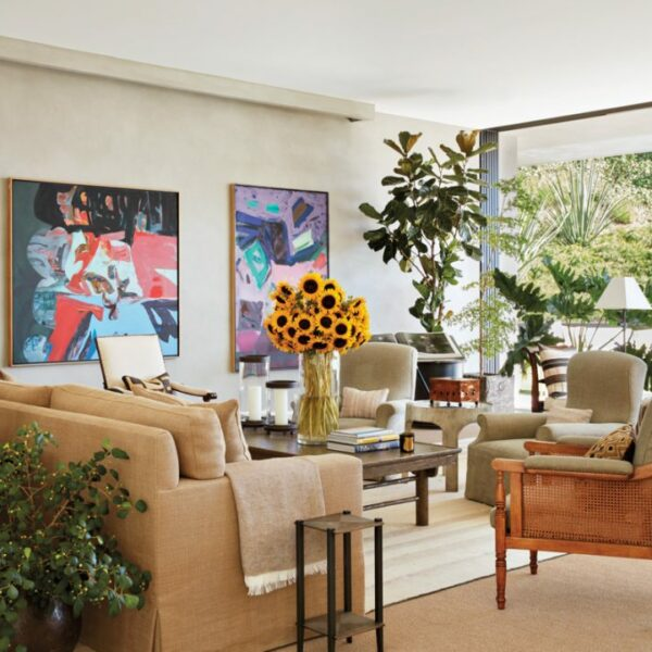 A Move West Inspires An Art-Filled Beverly Hills Home