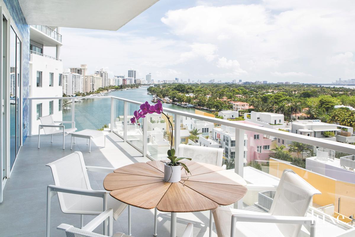 modern white outdoor terrace sitting...