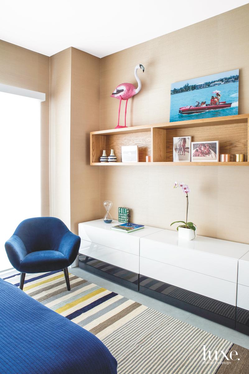modern bedroom sitting area blue...