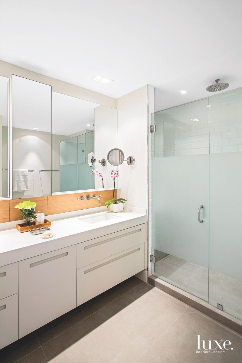 modern bathroom glass shower subway...