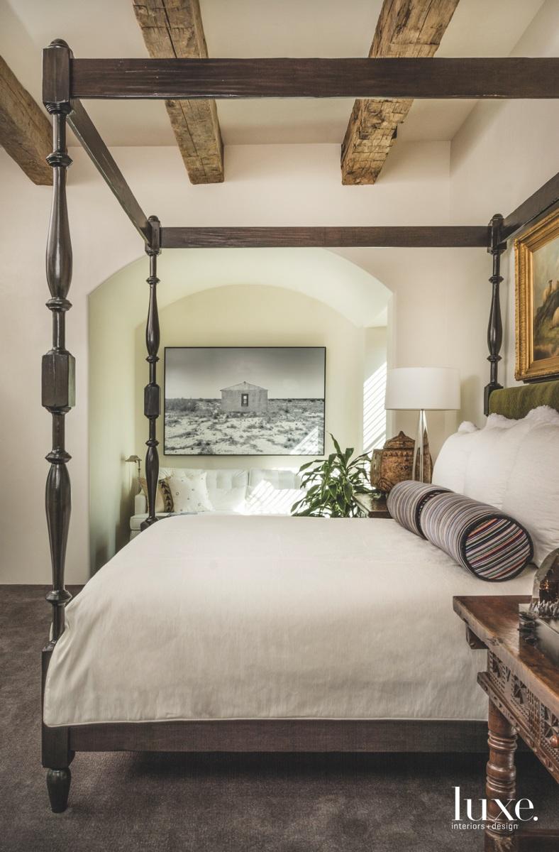 mediterranean bedroom canopy bed