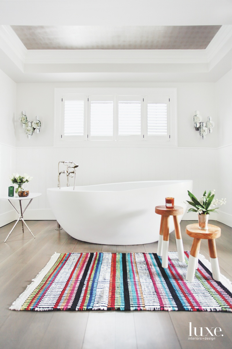 modern white bathroom bathtub antique...
