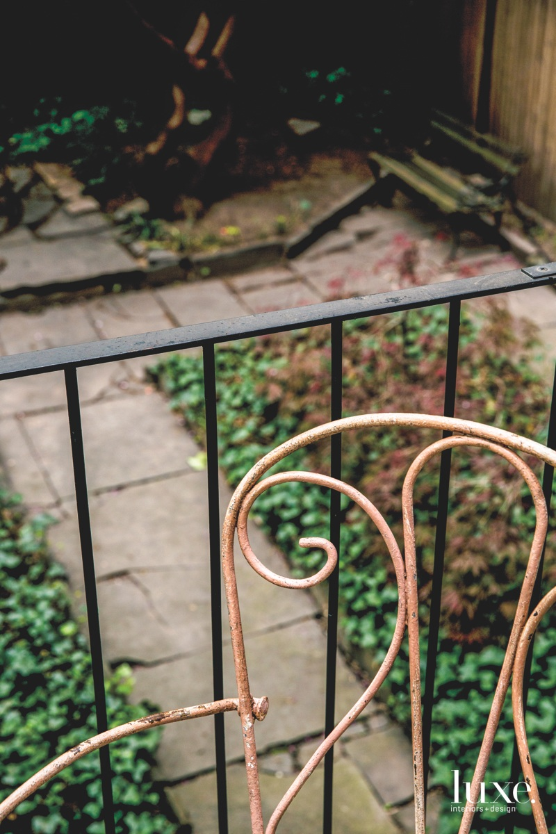 contemporary balcony pink rusted chair