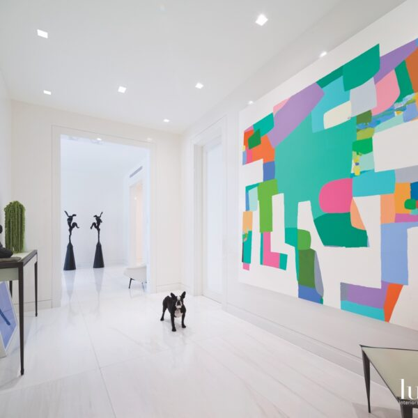 White Palette, Artful Touches Brighten An NYC Abode