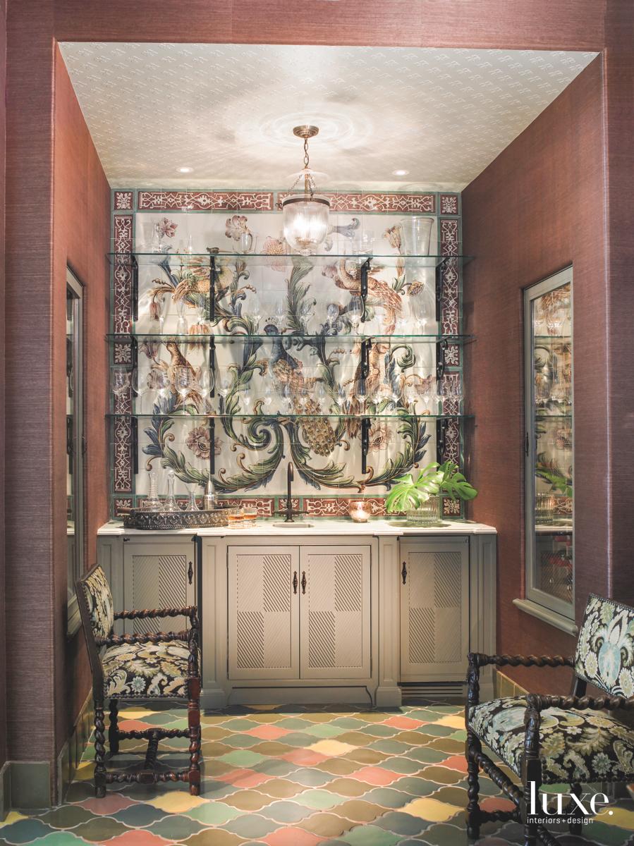 traditional brown bathroom decorative