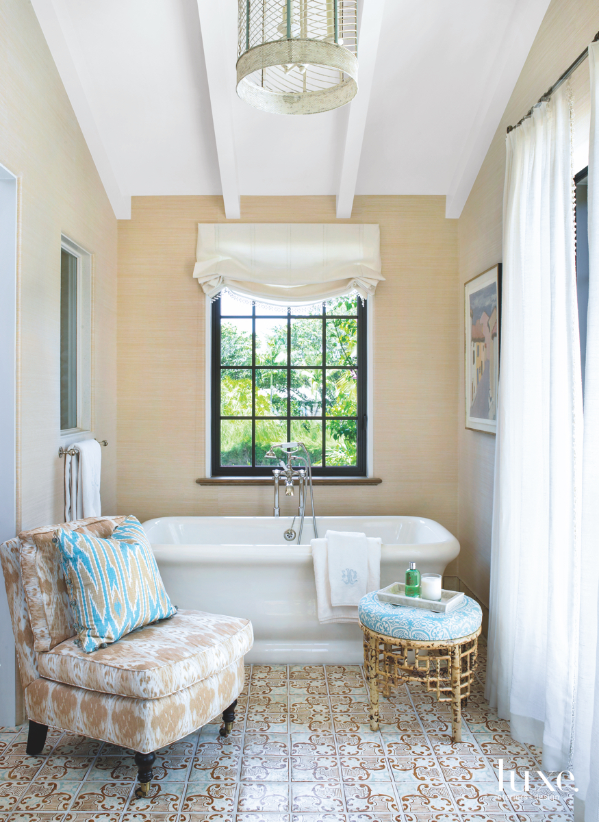 traditional neutral bathroom